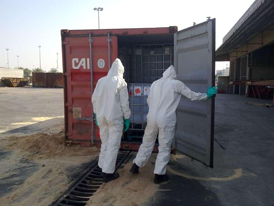 דליפת מכולה עם נוזל דליק בנמל אשדוד